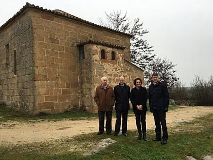 Vista a la ermita de Yecla de Yeltes
