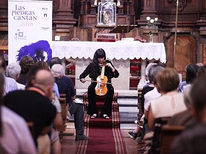 La iglesia de San Martín de Tours se llenó ayer con la música de Amarilis Dueñas